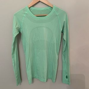 Lululemon swiftly tech top